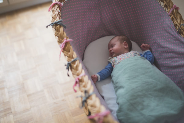 30-Photographe-naissance-nouveau-ne-bebe-lifestyle-paris (26)