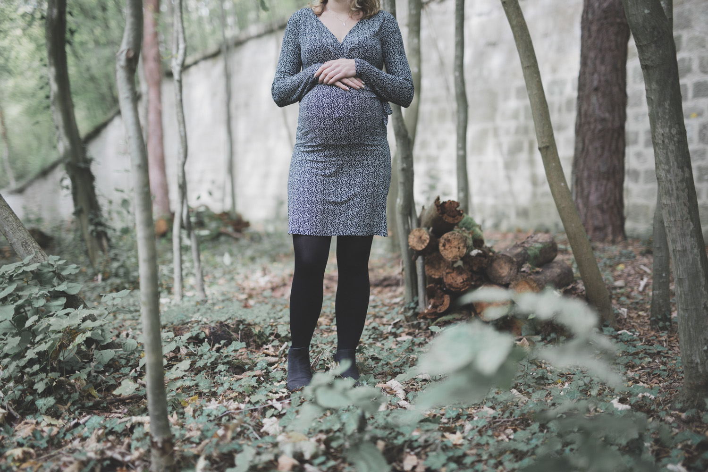 S ance grossesse en ext rieur nicolas launay photographe r for Shooting photo exterieur foret